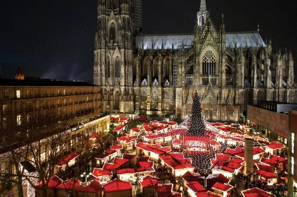 Christmas-Market-Cologne-Germany